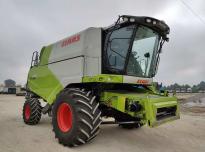 CLAAS TUCANO 440 Kombajn rolniczy do zbioru zbóż